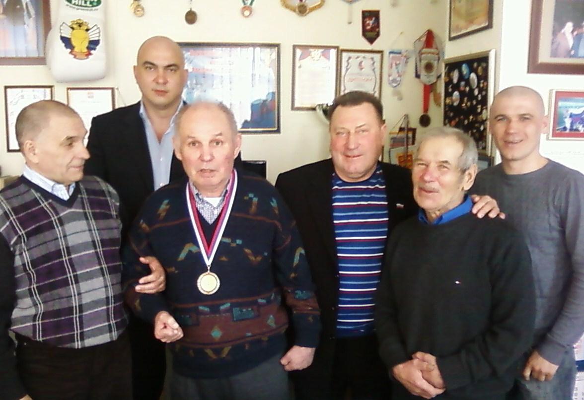 Барановичах всей умер тренер по боксу калининграда Стариков::